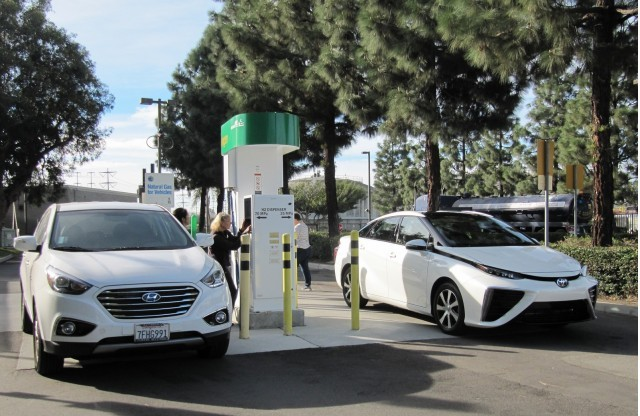 2015 Hyundai Tucson Fuel Cell, 2016 Toyota Mirai at hydrogen fueling station, Fountain Valley, CA