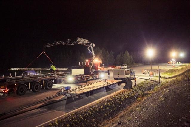 Building the eRoad Arlanda outside Stockholm, Sweden