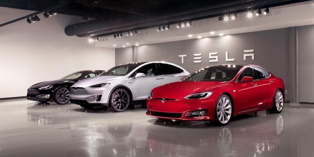 2018 Tesla Model S and 2018 Tesla Model X